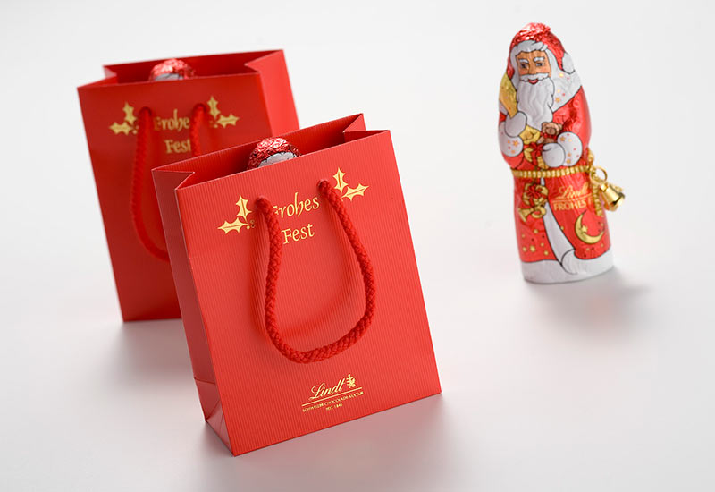 premium-weihnachts-präsenttaschen-lindt,heißfolienprägung,papierprägung